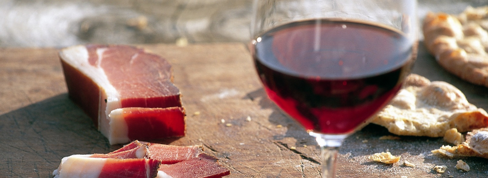 Speck and wine are south Tyrolean products - Merano