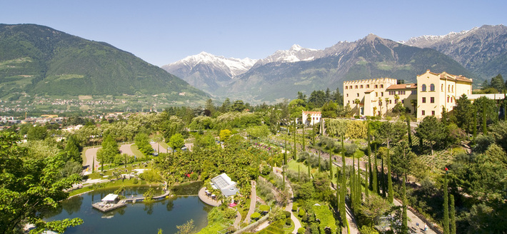 A leisurely walk through the gardens in Merano-Lana